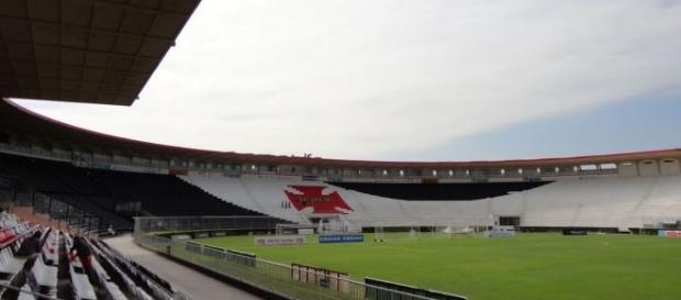 Em São Januário, o Vasco recebe o Santa Cruz, pela rodada de ida da 3ª fase da Copa do Brasil.