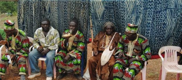 Scèbe de cérémonie traditionnelle chez les Bamilekés du Cameroun