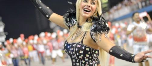 Ex-Miss Bumbum Tocantins é a atriz do filme pornô filmado em praia do Rio de Janeiro (Foto: Facebook/Reprodução)