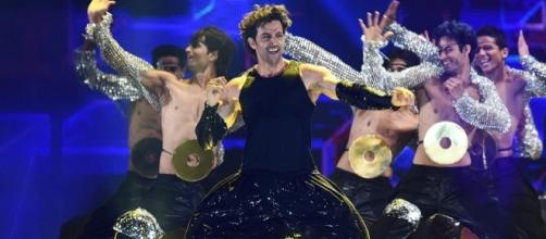 Hrithik Roshan performs at the IIFA (Twitter)