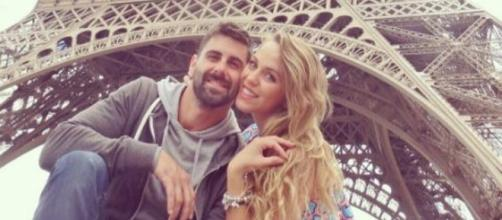 Jonathan elige París como lugar para pedirle matrimonio.