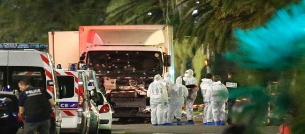 Aseară în Nice, oraș situat în sudul Franței, a avut loc un atentat de mare amploare