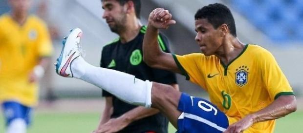 Douglas Santos do Atlético Mineiro jogará nas Olimpíadas de 2016