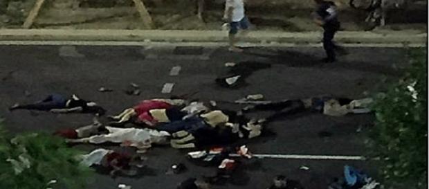 En el paseo de los Ingleses en Niza atentado terrorista captura de Twitter