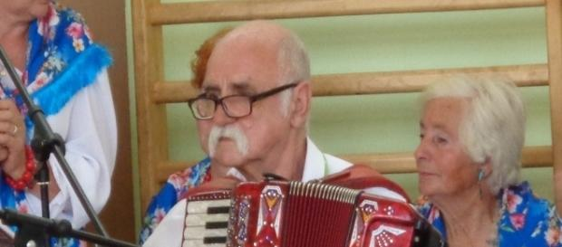 Tadeusz Sas i barwne Cendrowianki (źródło: Andrzej Ostromęcki).