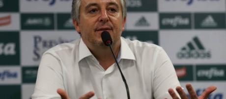 Paulo Nobre em entrevista na Academia de Futebol do Palmeiras
