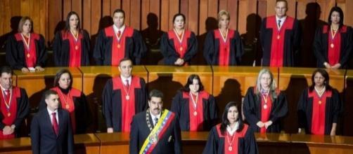 Comisión encargada de analizar la elección de Magistrados mostró pruebas de lo viciado del proceso y en consecuencia lo suspendió