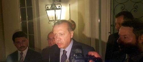 Erdogan informando que el golpe había sido fallido.