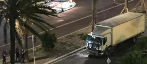Il camion usato dal terrorista
