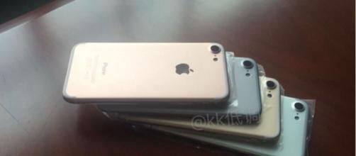 iPhone 7 ultime novità ad oggi 15 luglio 2016: arriverà in 4 colori?