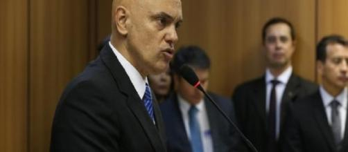 Os brasileiros dizem que foram recrutados pelo EI através da internet