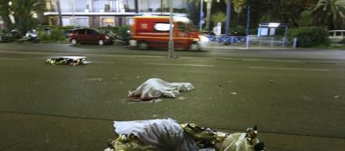 Suman 80 muertos y 18 gravemente heridos por ataque en Niza - lopezdoriga.com