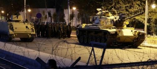 Turchia, colpo di stato in corso