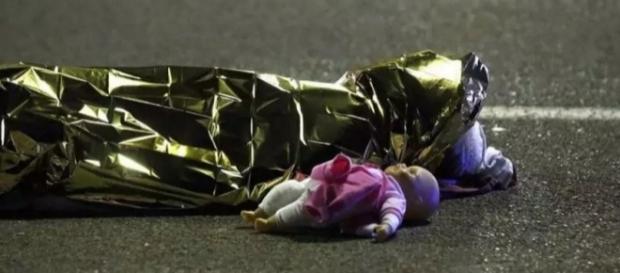 Ate o momento, mais 78 pessoas perderam suas vidas (Foto: Eric Gaillard/Reuters)