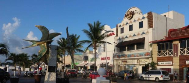 Distintos comercios en la isla de Cozumel en Quitana Roo.