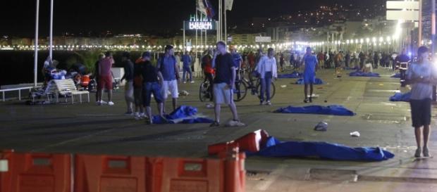 Pessoas são mortas em atentado na cidade de Nice, no sul da França (Foto: Le Monde)