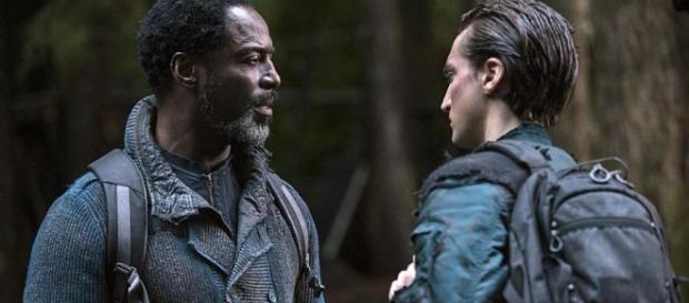 The 100 Season 3: Episode 14 sneak peek, Murphy leads a revolution ... - melty.com