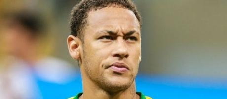 Após derrota para o Peru, Brasil cai duas posições no ranking da FIFA