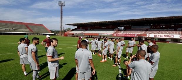 Flu treina no Giulite Coutinho, local de jogo de domingo, contra o Cruzeiro (Foto: Net Flu)