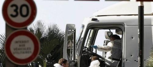 FRANCIA: Decretan 3 días de duelo nacional por las 84 personas que ... - mundotkm.com