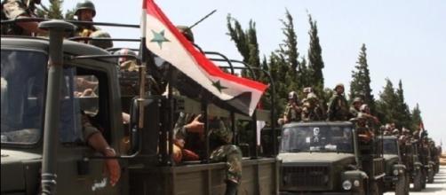 Le truppe siriane fedeli a Bashar al-Assad in marcia verso Aleppo