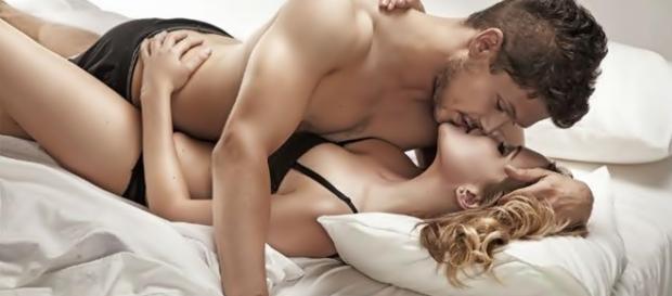 8 coisas que os homens MORREM DE MEDO que você perceba durante o sexo