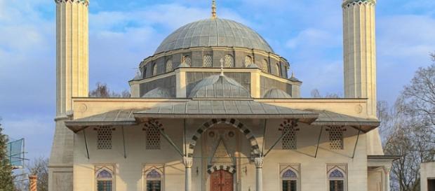 una delle tante moschee edificate dalle comunità islamiche nella capitale tedesca