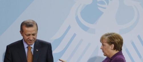 la cancelliera tedesca Angela Merkel ammonisce ancora una volta il governo turco