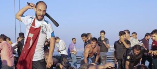 Répression des Mutins à Ankara après le putsch manqué. Crédit photo prechi-precha.fr