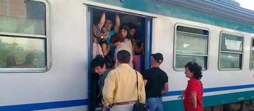 Trenitata multata per non aver riconosciuto indennizzi a pendolari danneggiati dei ritardi.