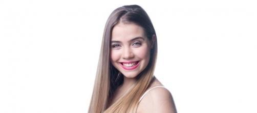 Veja Andreia Silva provocadora na praia