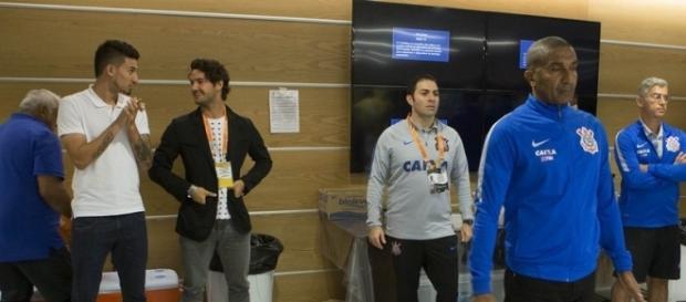 Alexandre Pato esteve no vestiário antes do empate diante do São Paulo