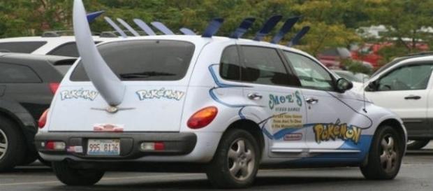Carro Pokémon Go para caçar pokémons