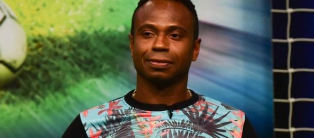Edílson Capetinha é preso em Brasília por não pagar pensão ... - gazetaesportiva.com