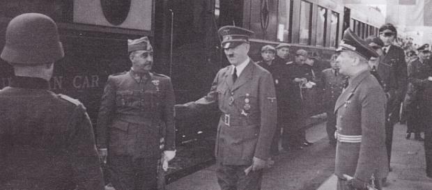 Francisco Franco y su aliado Adolf Hitler en la famosa entrevista entre ambos años después de la Guerra Civil.