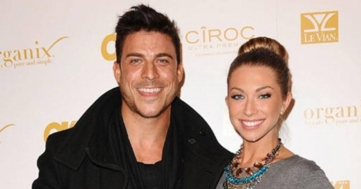 Why was stassi schroeder kicked off dating apps