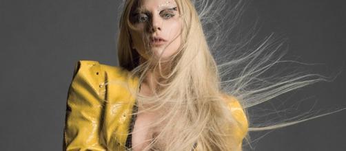 Lady Gaga detenida en una autopista de California