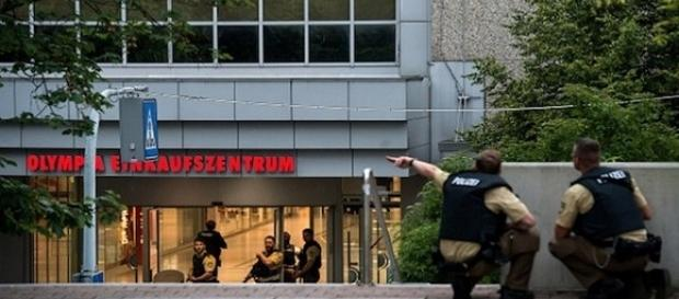 Atac armat la Olympia Einkaufszentrum!