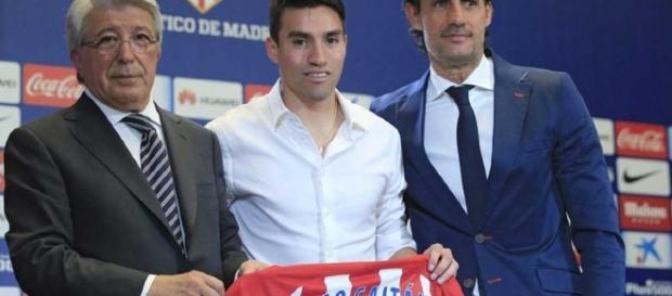Gaitán oficialmente apresentado no Atlético de Madrid