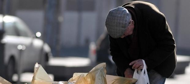 Piano povertà, sussidio di 320 euro al mese. Come fare domanda.