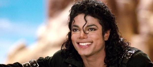 Segundo médico, Michael Jackson teria cogitado de casar com Emma Watson
