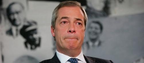 Nigel Farage renuncia a ser el líder del UKIP
