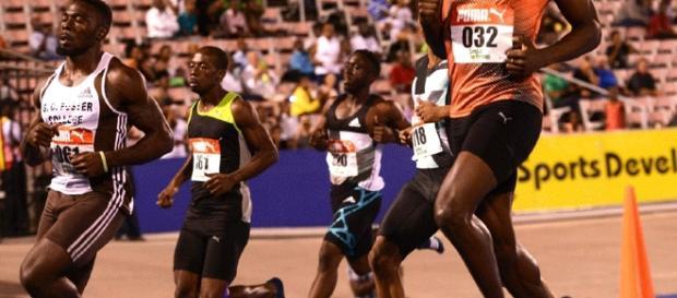 Usain Bolt debió abandonar por lesión los test clasificatorios de su país