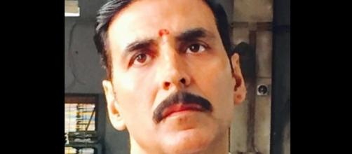 Akshay Kumar's Lawyer Look in 'Jolly LLB 2' is Out! - News18 - news18.com