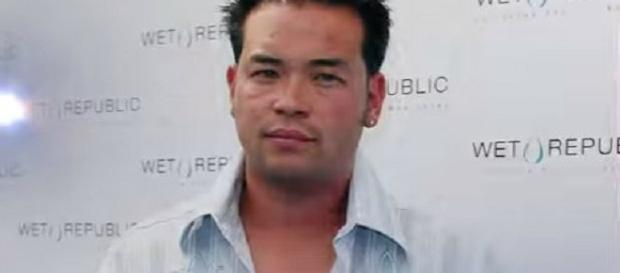 Jon Gosselin has a second job as a cook-Photo screencap by YouTube/Hollyscoop