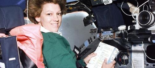 Eileen Collins, Space Shuttle Commander