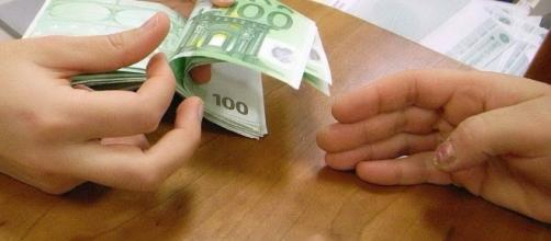 Lo scambio di denaro sarebbe avvenuto negli uffici di via Dante a Sassari.