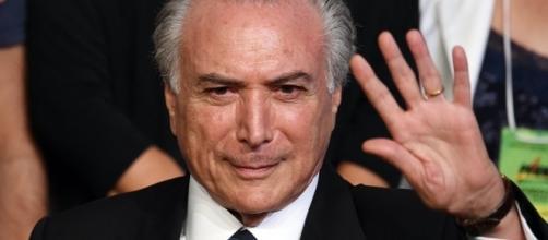 Michel Temer dá reajuste de 41,47% ao judiciário