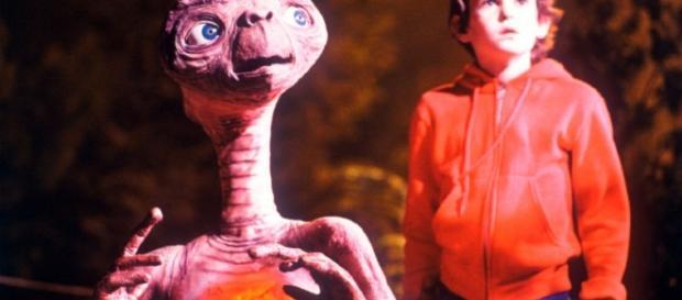 """Dia do Amigo: E.T. e Elliot - """"E.T."""" (1982)"""