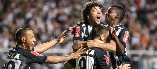 Luan está de volta e poderá jogar contra o Palmeiras.